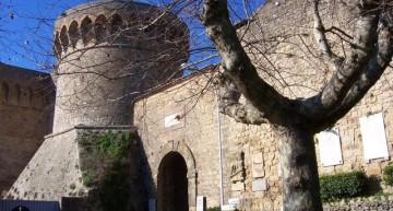 Entrada al castillo de Volterra, la fortaleza Medicea. Sus calabozos se siguen usando hoy en día como prisión