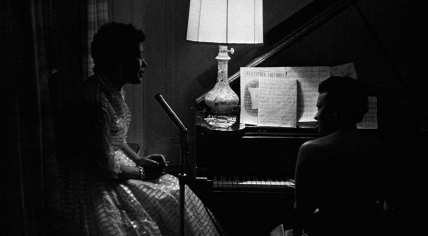 Billie Holiday and Hazel Scott after a night party/ Roy DeCarava