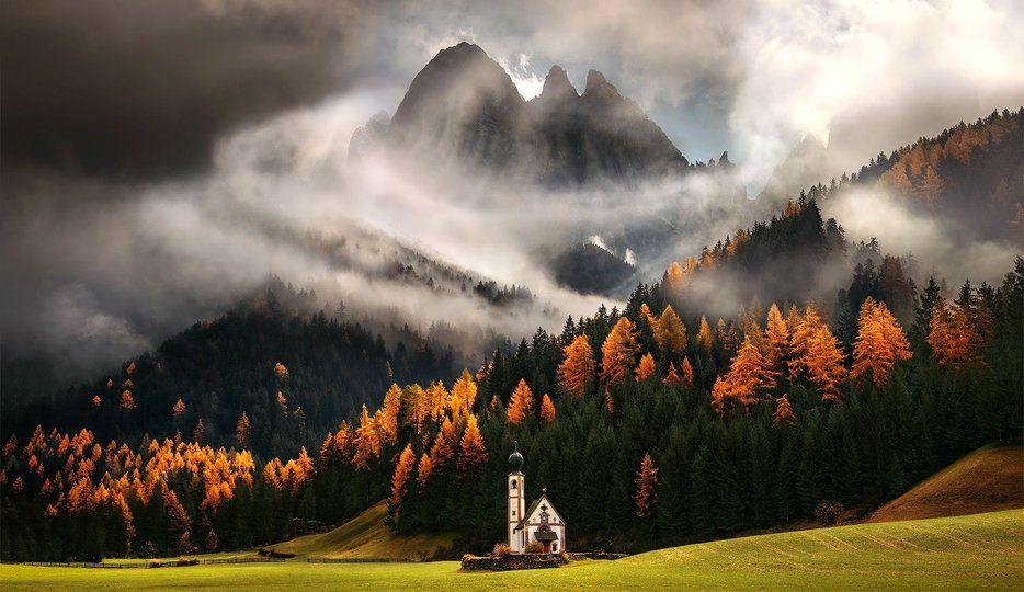 Funes, Italia