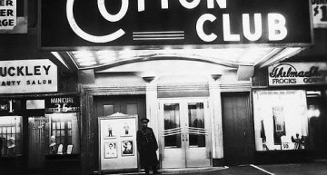 The entrance of Cotton Club//www.buenascanciones.com