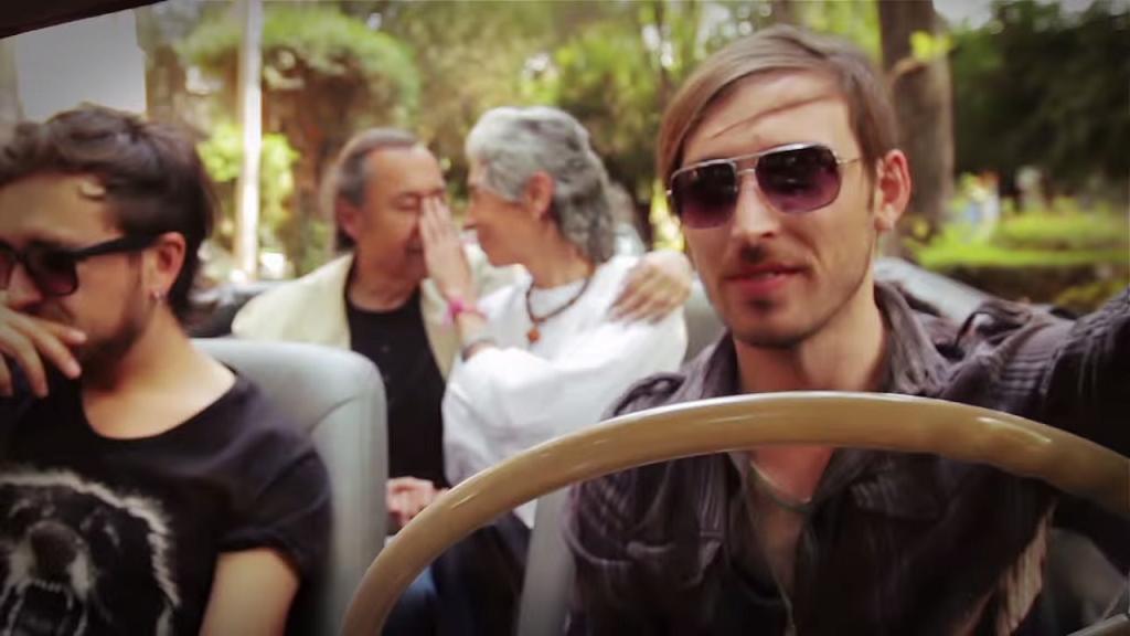 "Vídeo de la semana: SIMPLIFIRES – ""Don't Give Up On Love"""