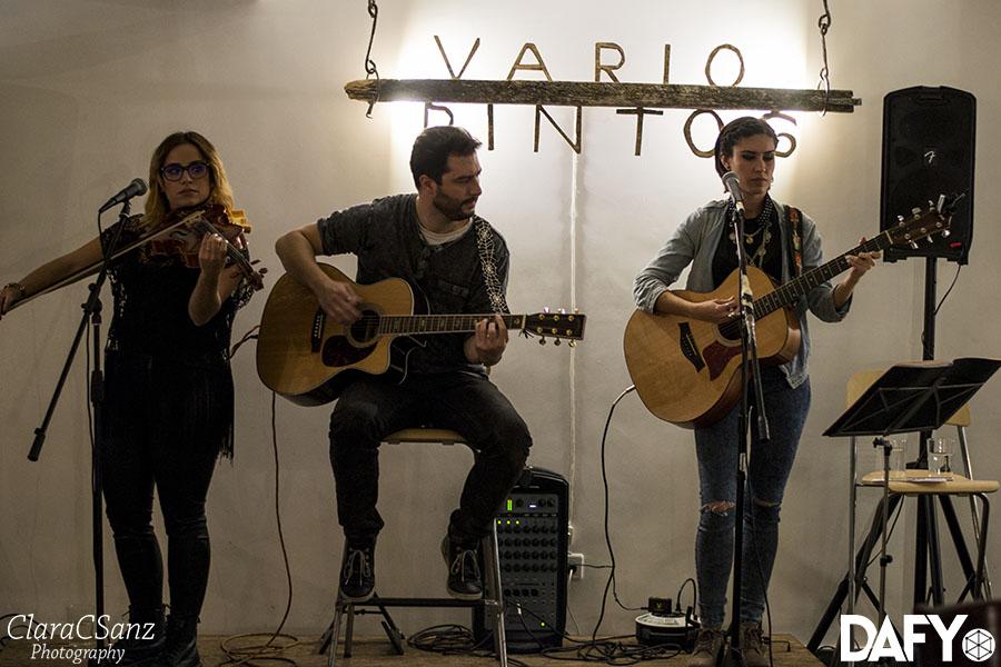Miriam Rupy & Olga y Héctor @ Variopintos (18/12/15)