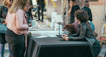 Festival Orgullo Poético @ Plaza del Rey (21/04/17) | Galería de fotos y vídeo