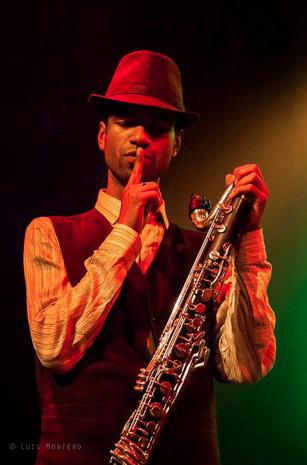 Robindro, clarinetista de BGKO.