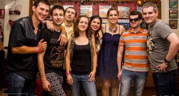 Versilia y La Buena Vista después de tocar en concierto Acoustic Aession en Siroco Lounge.