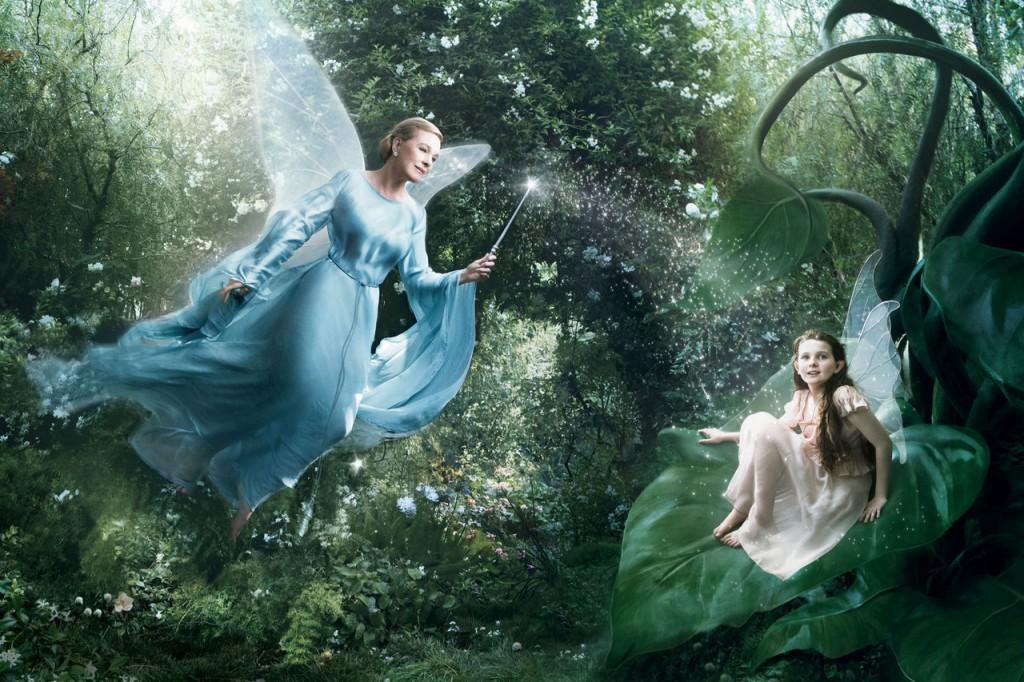 Julie Andrews es El Hada Azul de Pinocchio con Abigail Breslin como Fira de Las Hadas Disney.