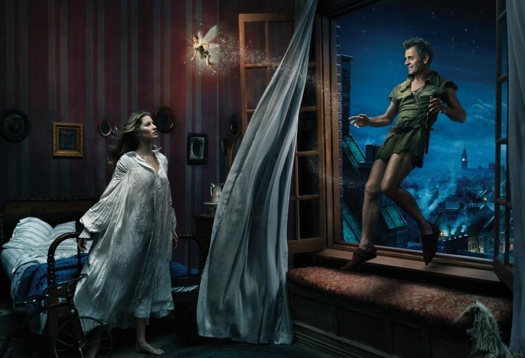 Gisele Bündchen es Wendy Darling, Mikhail Baryshnikov es Peter Pan y Tina Fey es Campanilla.