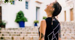 Anna Tur lanza una colección con Unreleased Electronic Wear